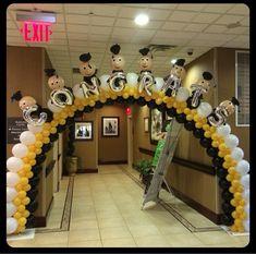 Graduation Balloon Decor – – - Decoration For Home Graduation Balloons, Graduation Cupcakes, Graduation Party Planning, Kindergarten Graduation, Graduation Celebration, Graduation Decorations, Graduation Party Decor, School Decorations, Graduation Photos