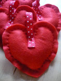 Red ruffled Felt Hearts by designbySoniaReis