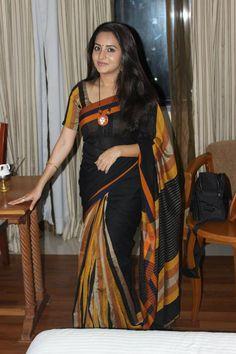 Bhama in Saree Indian Beauty Saree, Indian Sarees, Indian Dresses, Indian Outfits, Sari Dress, Silk Saree Blouse Designs, Simple Sarees, Saree Trends, Saree Models
