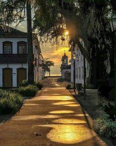 Paraty, Rio de Janeiro Paraty Brazil, Wonderful Places, Beautiful Places, Beautiful Scenery, States Of Brazil, Rio Brazil, Brazil Travel, Art And Architecture, Paths