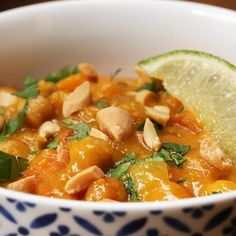 Slow Cooker Recipes, Cooking Recipes, Healthy Recipes, Vegetarian Recipes Dinner, Easy Dinner Recipes, Sweet Potato Chickpea Curry, Chicken Sweet Potato Curry, Slow Cooker Chickpea Curry, Slow Cooker Sweet Potatoes
