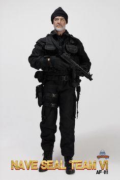 1 AUTHENITIC LIKENESS OF HEAD SCULPT 2 BODY 3 Black T shirt 4 Combat Uniform 5 OMEGA EOD VEST 6 WHITE UNDERPANTS 7 Magazine Bag 8 Debris bag 9 OMEGA HOLTER 10 Mask 11 Tactical Gloves 12 XM177 rifle /w MAGAZINE *7  13 Tactical Weapon light 14 M9 pistol /w surefire tactical light & MAGAZINE*2 15 Mp5 Submachine gun /w magazine*3 16 Gerber BMF tactical knife /Knife sheath 17 Combat boots