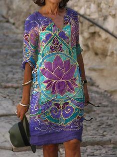 Γυναικεία Φόρεμα ριχτό Φόρεμα μέχρι το γόνατο - Μισό μανίκι Φλοράλ Στάμπα Καλοκαίρι Λαιμόκοψη V Καθημερινό καυτό φορέματα διακοπών Φαρδιά 2020 Θαλασσί M L XL XXL 3XL 2020 - € 16.9 Half Sleeve Dresses, Knee Length Dresses, Half Sleeves, Dresses With Sleeves, Manga Tribal, Manga Floral, Vacation Dresses, Dress Silhouette, Cheap Dresses