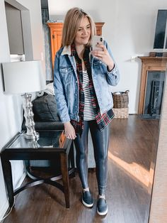 Over 20 spanx leather leggings outfits - from casual to dressy, this post is covering all the best legging outfit ideas to bust your wardrobe boredom! Legging Outfits, Sporty Outfits, Leggings Fashion, Fashion Outfits, Hipster Outfits, Nike Outfits, Best Leggings, Women's Leggings, Black Leggings