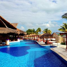 The Swim Up Bar pool area :D Excellence Riviera Cancun. Mexico!