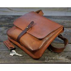 Minimalist Bags - My Minimalist Living Briefcase For Men, Leather Briefcase, Leather Pouch, Leather Purses, Diy Messenger Bag, Leather Bag Design, Leather Wallet Pattern, Backpack Pattern, Minimalist Bag
