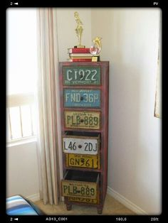 New repurposed furniture upcycling license plates Ideas License Plate Crafts, Old License Plates, License Plate Art, License Plate Ideas, Licence Plates, License Plate Covers, Furniture Projects, Diy Furniture, Diy Projects