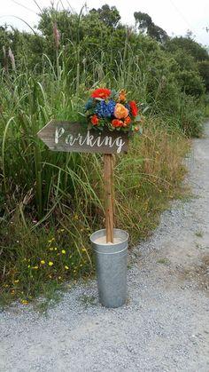 #red #orange #blue #flowers #flower #wedding #weddingsign #sign #hydrangea #roses #rose #gerberadaisies #gerberadaisy #gerbs #daisy #daisies