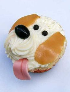 This pup who wants to kiss you. | Community Post: 30 Animal Cupcakes Too Cute To Eat