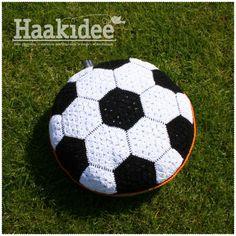 Nieuw Haakpatroon: Voetbal kussen – Haakidee