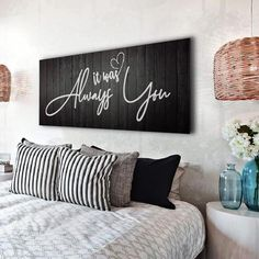 Home Decoration For Living Room Cute Dorm Rooms, Cool Rooms, Do It Yourself Decoration, Bedroom Decor For Couples, Couple Bedroom, Farmhouse Side Table, Farmhouse Decor, New Wall, My New Room