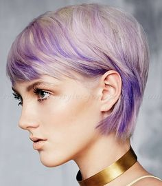 pixie+cut,+pixie+haircut,+cropped+pixie+-+blonde+hair+with+purple+highlights