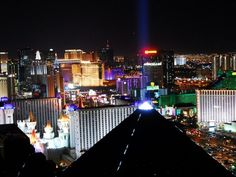Most Las Vegas hotels as seen from the Mandalay Bay, including the famous Luxor pyramid. Las Vegas Free, Visit Las Vegas, Las Vegas Strip, Las Vegas Nevada, Vegas Lights, City Lights, Funeral Costs, Earth Hour, Unique Hotels