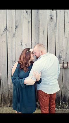Engagement Photos #curvy #love #rustic