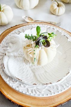 SUCCULENTS AND WHITE PUMPKIN THANKSGIVING TABLESCAPE - StoneGable