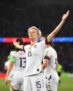 Two tall glasses of 🍷, please. The idea of sport is a procedure Usa Soccer Team, Female Soccer Players, Female Football, Jill Scott, Megan Rapinoe, Fifa Women's World Cup, Body Confidence, Sport Quotes, Soccer Training