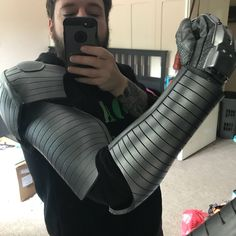So arm for Cable is done! Just need to make the shin guards and spray the chest. Looking forward to getting this finished for MCM May #xmen #xmencosplay #cable #xmencable #cablemarvel #cablecosplay #xmenmarvel #marvel #marvelcomics #marvelcosplay #marvelcosplayer #cosplay #cosplayer #cosplayersofinstagram #cosplaywip #foamwip #wip #foamsmith #crafting #craftyourfandom #foamfun #craft #costume #cosplayguy #ukcc