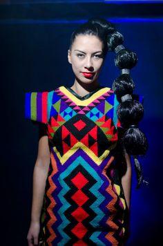 Māu te kākahu e whatu. He tāniko tāku. Modern Fashion, Fashion Design, Fashion 2015, Native Canadian, Maori Art, Niece And Nephew, Media Design, Color Photography, Old Hollywood