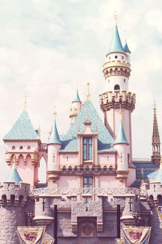 Blog des fans du monde Disney ! Le parc Disneyland Paris, les chaines Disney, le shopping, ...