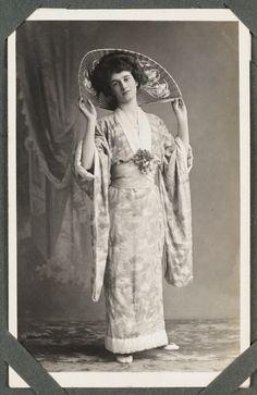 edwardian kimono wearer