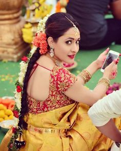 Top heavy maggam work designer blouse neck designs for saree Wedding Saree Blouse Designs, Pattu Saree Blouse Designs, Saree Blouse Patterns, Fancy Blouse Designs, Blouse Neck Designs, South Indian Blouse Designs, Wedding Blouses, Gold Designs, Blouse Styles