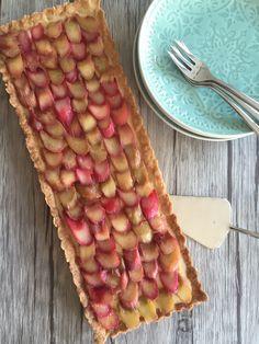 Rabarbertaart - Taste our Joy! Rhubarb Recipes, Home Baking, Dessert Recipes, Desserts, Afternoon Tea, Sweet Recipes, Sweet Treats, Food Porn, Good Food