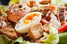 Maaltijdsalade met kip, bacon en geitenkaas
