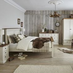 We love this relaxed, country-style bedroom look.