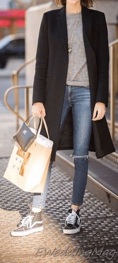 Comfy Winter Casual Outfits with Jeans For Women Winter Outfits Women, Casual Winter Outfits, Outfit Winter, Long Sweaters For Women, Casual Sweaters, Light Jeans Outfit, Outfit Jeans, Cute Outfits With Jeans, Jean Outfits