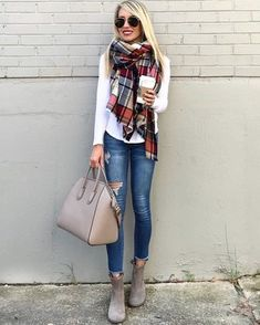 50 Stunning Casual Outfit Ideas For Women To Look Chic Basic Outfits, Modern Outfits, Casual Outfits, Fashion Outfits, Womens Fashion, Fashion Trends, Work Outfits, Fall Winter Outfits, Autumn Winter Fashion