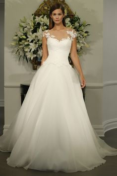 bridals by lori - Romona Keveza 0127893, In store (http://shop.bridalsbylori.com/romona-keveza-0127893/)