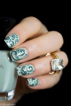 Gorgeous shades of green paisley nail art! Garra, Hot Nails, Hair And Nails, Gel Nail Art, Nail Polish, Acrylic Nails, Color Block Nails, Beautiful Nail Designs, Fabulous Nails