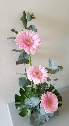1 million+ Stunning Free Images to Use Anywhere Ikebana Arrangements, Summer Flower Arrangements, Flower Arrangement Designs, Ikebana Flower Arrangement, Beautiful Flower Arrangements, Flower Centerpieces, Flower Vases, Flower Decorations, Flower Designs