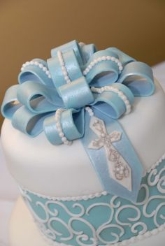 Confirmation Cakes for Boys | ... cake was a simple yet effective bow that had a a rosary laced within