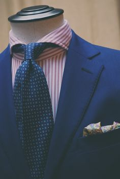 Soft collars and summer colors…