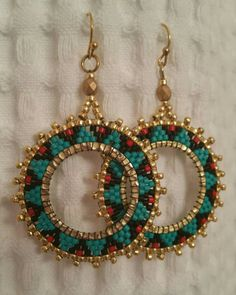Turquoise, black, and red delicas Gold beads. Seed Bead Jewelry, Seed Bead Earrings, Women's Earrings, Beaded Jewelry, Handmade Jewelry, Beaded Bracelets, Beaded Earrings Patterns, Jewelry Patterns, Beads And Wire