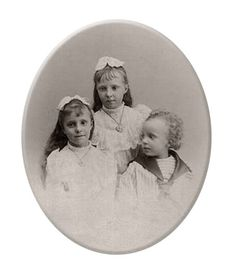Alfonso XIII with sisters Mercedes and Maria Teresa.