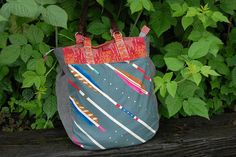 Super Tote | made by Jessie of Tiny House, perfect choice with the Melody Miller arrows!