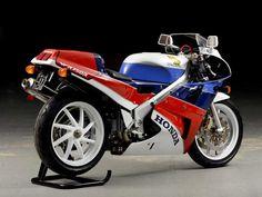 Honda VFR 750R RC30 (1988) - Super7moto