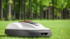 You're probably familiar with Asimo, Honda's humanoid robot, but you might not be aware of the company's expansive range of lawnmowers. Today the two come together at last with the announcement of....