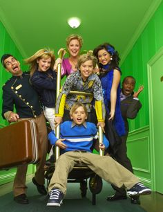 "8 Things You Never Knew About ""The Suite Life of Zack and Cody"" Sprouse Bros, Cole Sprouse, Dylan Sprouse, Ashley Tisdale, Hotel Zack Und Cody, Zack And Cody Funny, Zack E Cold, Sweet Life On Deck, Old Disney Shows"