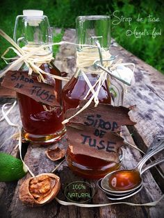 Angel's food: Sirop de tuse făcut în casa Natural, Preserves, Pickles, Alcoholic Drinks, Food And Drink, Healthy Recipes, Homemade, Table Decorations, Christmas Ornaments