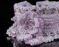 Brazalete pulsera de Crochet negro. Pulsera por KaterinaDimitrova