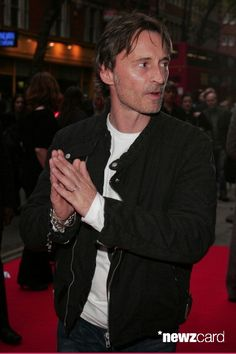 Robert Carlyle during '28 Weeks Later' - World Premiere - Red Carpet Arrivals at Odeon Covent Garden in London, United Kingdom. (Photo by Fred Duval/FilmMagic)