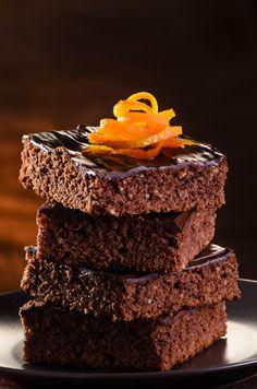 Una deliciosa receta de brownie, se le pone un transfer de Halloween haciéndolo ideal para este 31 de octubre. Además es una postre bajo en azúcar ya que esta hecho con Splenda.