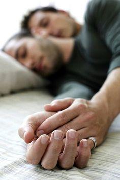 Dormindo com meu amor! Amor gay!