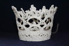 Trädgård ... drakar och lite annat!: Virkade Brudkronor till salu. | Crochet bridal crowns