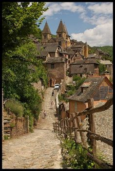No viviendo en un mundo vivo: noviembre 2014   Abbaie Sainte-Foy de Conques, Abeyron, Fr.
