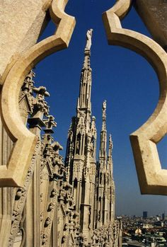 Milan's Cathedral, Milan Italy.  Click on photo for home videos and more on Hotels, Restaurants and Things 2 Do.