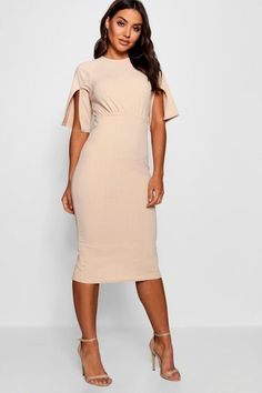 40d5a456df34 Click here to find out about the Split Sleeve Detail Wiggle Midi Dress from  Boohoo,